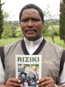 """Gabriel Tlaxo med Riziki - swahili for """"daglig brød"""""""