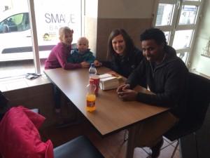 I april feiret hele familien og Amanuel hans bursdag med pizza i byen.